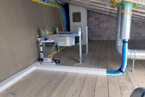 Klimagerät versteckt im Dachboden