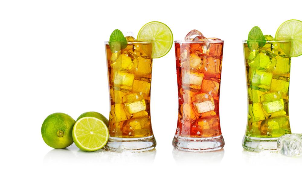 Foto: Drinks rand gefüllt mit Eis