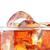 Foto: Eiswürfel in einem Glas