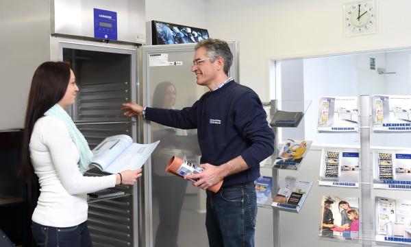 Foto: Präsentation eines Profi-Kühlgerätes von Liebherr